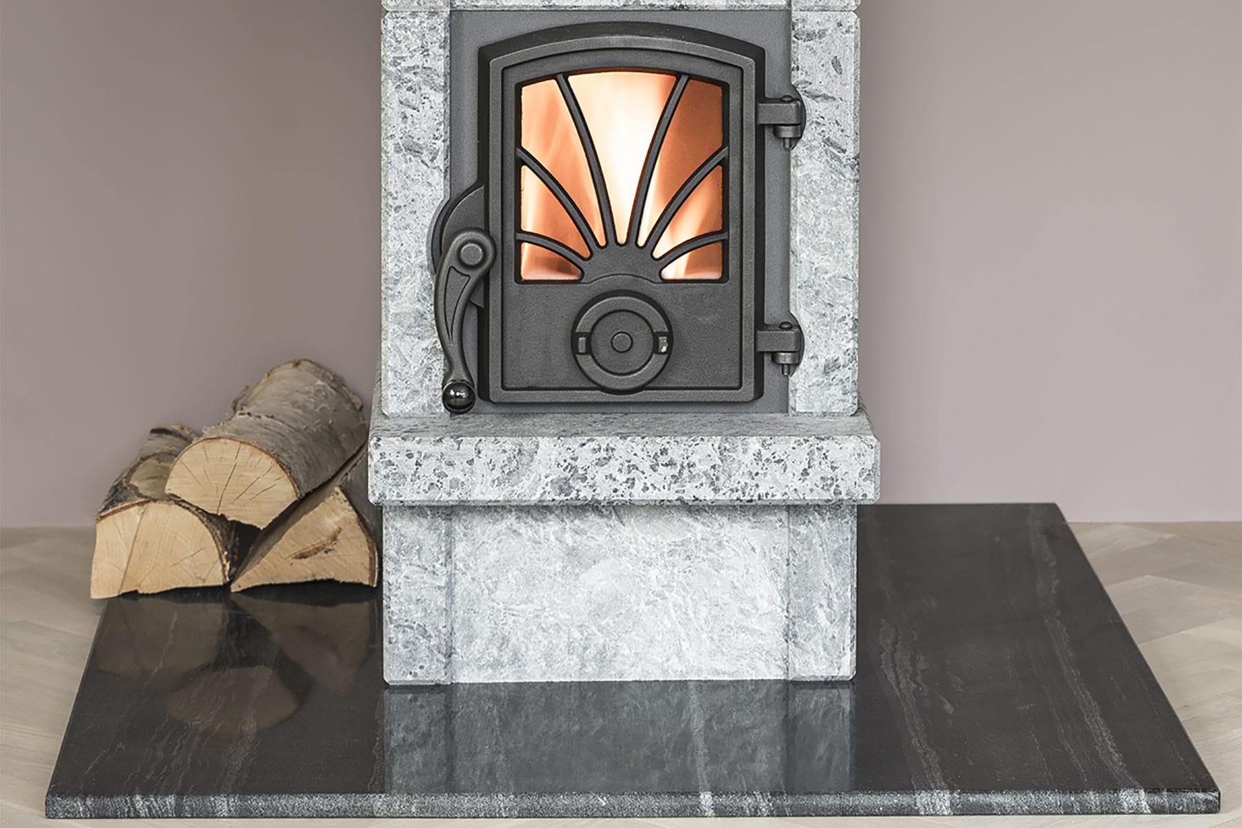 Otta with our dark grey marble-sandstone baseplate